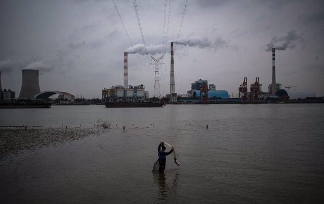 La OMM advirtió que la desaceleración industrial debido a la pandemia no había frenado concentraciones récord de los gases de efecto invernadero que están atrapando el calor en la atmósfera.