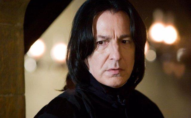 Alan Rickman es Severus Snape en la saga Harry Potter