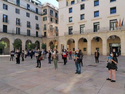 """Colectivos protestan contra la normativa de convivencia cívica: """"Quieren esconder a las personas vulnerables"""""""