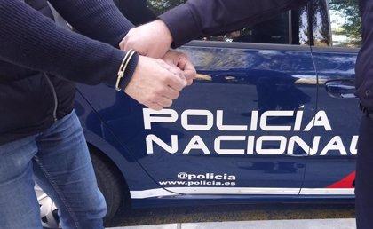 Detenido en Sevilla un varón acusado de agredir sexualmente a una de sus sobrinas y obligar a otra a presenciarlo