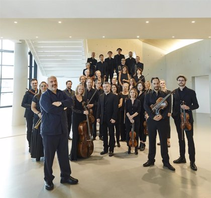 Marc Minouski y Les Musiciens du Louvre acercan la música historicista a Les Arts con el 'Mitridate' de Mozart