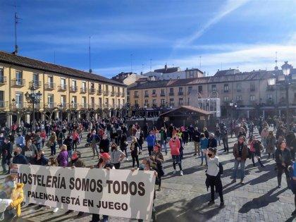 Más de 600 autónomos piden ayudas directas, test masivos y bonificaciones en una manifestación en Palencia