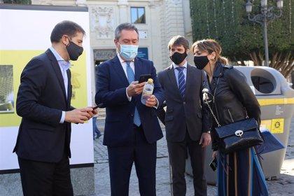 Sevilla pone en marcha incentivos para el reciclaje de envases y botellas de plástico de bebidas
