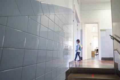 Un 60% de ciudadanos está satisfecho con la gestión de casos de Covid en los colegios, según un estudio