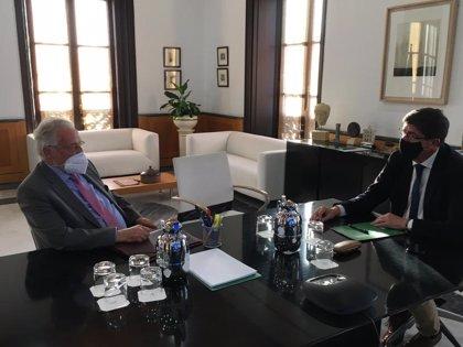 Marín y Maeztu acuerdan reuniones cuatrimestrales para abordar las respuestas de la Junta a demandas del Defensor