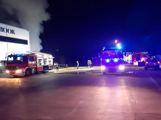Incendio en una empresa de papelería en Añover (Toledo)