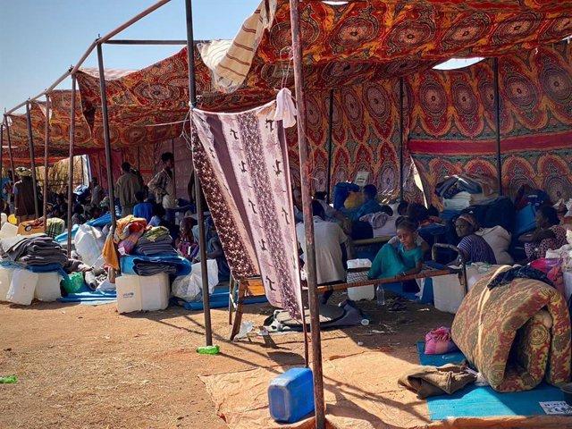Refugiados etíopes en el campo de Um Raquba, en Sudán