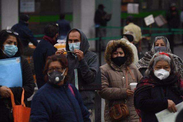 México suma casi 7.500 contagios diarios.
