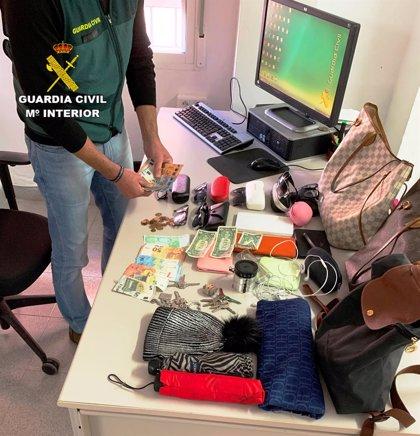 Detenidas tres personas en Vinaròs acusadas de robar el bolso a ancianas a la salida de los supermercados