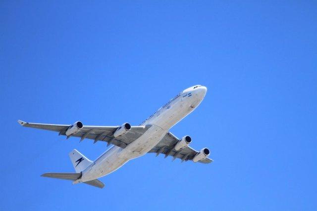 Sector aeronáutico, avión (foto de recurso).