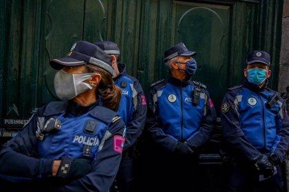 El Pleno de Cibeles pide por unanimidad al Gobierno que elimine la tasa de reposición para Policía Municipal y Bomberos