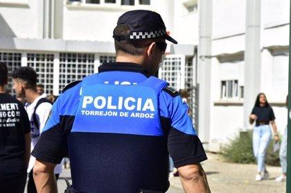 Tres identificados en una violenta pelea entre una veintena de adolescentes en las calles de Torrejón