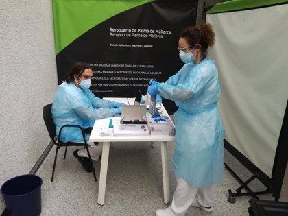 18 viajeros internacionales se someten a test de antígenos en Palma el primer día de obligación de PCR negativa