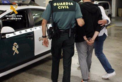 """El detenido por el atropello mortal de un bebé en Castilblanco (Sevilla) pide disculpas: """"Me falló el pie del freno"""""""