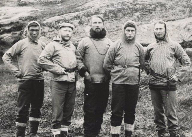 Expedición danesa de Mylius Erichsen al confín de Groenlandia de 1906-08. Jorgen Bronlund es el primero por la izquierda