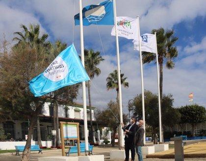 Mijas iza la bandera 'Safe Tourism Certified' que garantiza prevención de riesgos frente al COVID