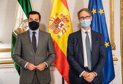 """Moreno expone a Cepsa su objetivo de situar a Andalucía """"a la vanguardia"""" de desarrollos energéticos en España y Europa"""