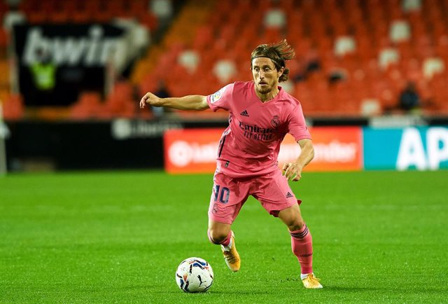 Luka Modric of Real Madrid during the La Liga Santander mach between Valencia and Real Madrid at Estadio de Mestalla on November 8, 2020 in Valencia, Spain