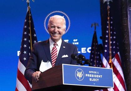 """Biden afirma que la composición de su Gabinete refleja que """"EEUU ha vuelto"""""""