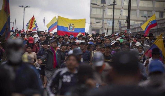 Protestas en Quito contra la eliminación de las ayudas a los combustibles propuesta por el presidente de Ecuador, Lenín Moreno.