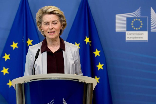 HANDOUT - 24 November 2020, Belgium, Brussels: European Commission President Ursula von der Leyen speaks during a press statement on Coronavirus vaccines at EU headquarters. Photo: Etienne Ansotte/European Commission/dpa - ATTENTION: editorial use only an
