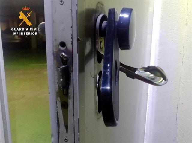 Nota De Prensa La Guardia Civil Detiene A Dos Personas Por Robos Y Daños En 19 Trasteros En Castro Urdiales