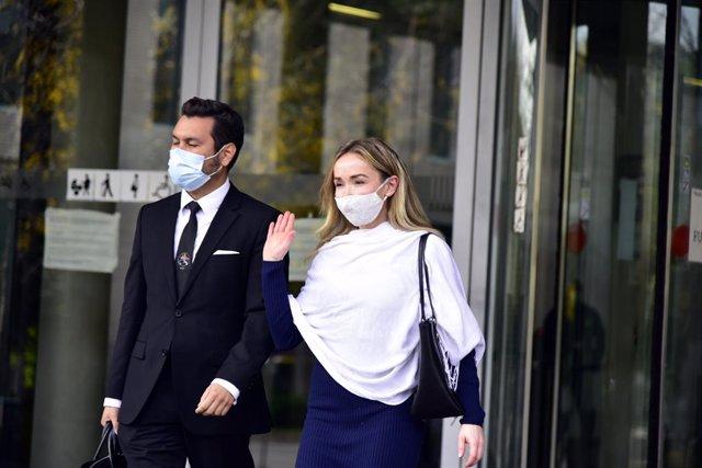 La dona de Josep Maria Mainat, Angela Dobrowolski, arriba a la Ciutat de la Justícia. Barcelona, Catalunya (Espanya), 25 d'octubre del 2020.