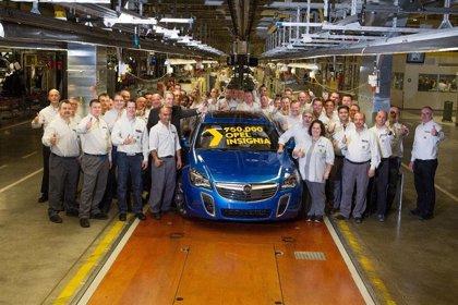 Opel ofrece sus fábricas en Alemania como centros de vacunación contra el coronavirus