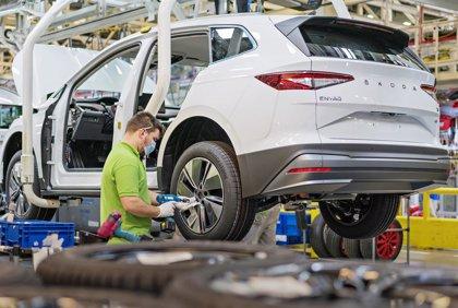 Skoda inicia la producción en serie del Enyaq iV, del que ensamblará hasta 350 unidades al día