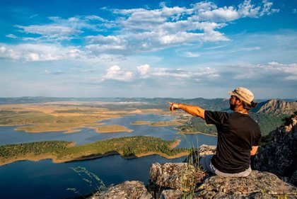 La Diputación de Badajoz colabora en la definición de la Reserva de la Biosfera de La Siberia como destino turístico