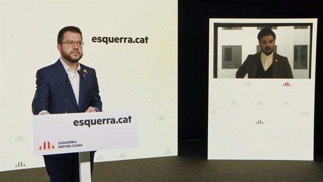 El vicepresident de la Generalitat, Pere Aragonès, i el portaveu d'ERC al Congrés,  Gabriel Rufián, en una roda de premsa telemàtica.