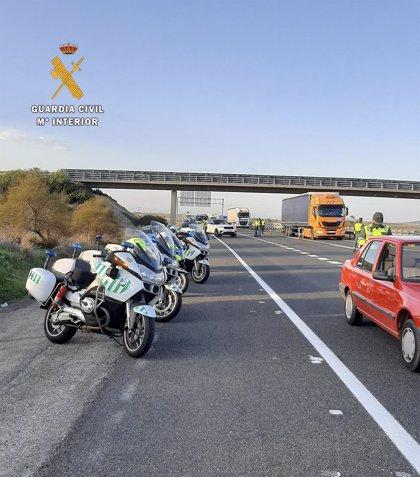 Seis meses de multa y retirada del carné para un hombre por circular en un vehículo a 212 km/hora en la A-5 en Jaraicejo