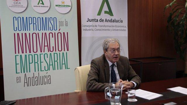 Rogelio Velasco tras la firma del acuerrdo