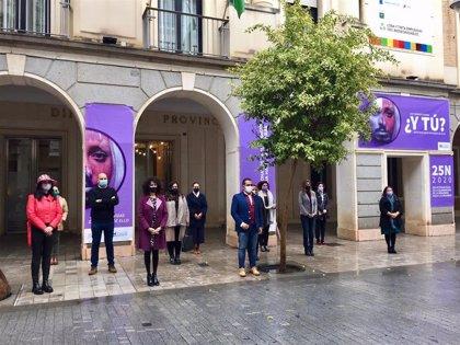 Autoridades de Huelva se unen para rechazar la violencia de género e impulsan acciones para concienciar sobre el 25N