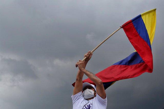 Exguerrilleros de las FARC protestan en Colombia.