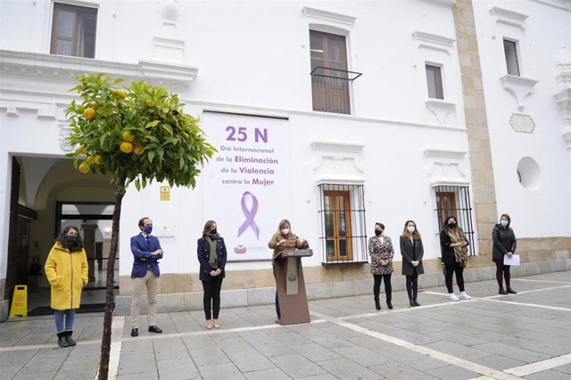 Acto institucional en la Asamblea contra la violencia de género