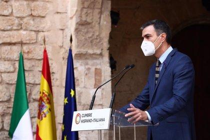 """Sánchez achaca las tensiones en el Gobierno a la falta de experiencia en coaliciones y pide a los socios """"humildad"""""""