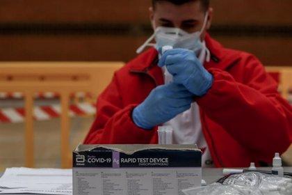 La Comunidad de Madrid notifica 1.423 casos nuevos, 590 en 24H, y 20 fallecidos