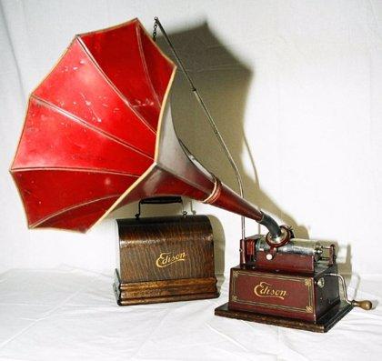 El Museo de Bellas Artes de Santa Cruz de Tenerife acoge una exposición sobre reproductores de sonido del siglo XIX y XX