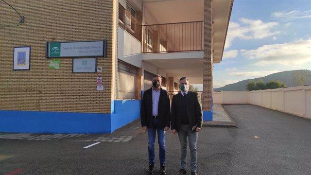 El delegado de Educación y Deporte en Jaén, Antonio Sutil, ha visitado el Centro de Educación Infantil y Primaria (CEIP) 'Antonio Prieto' de la capital de la provincia