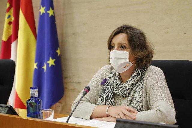 La consejera de Economía, Empresas y Empleo, Patricia Franco, durante su comparecencia en la Comisión de Economía y Presupuestos de las Cortes regionales