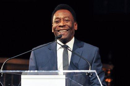 """Pelé: """"Espero que algún día podamos jugar juntos en el cielo"""""""