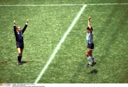 El genio Maradona ya da 'Gracias a la pelota'