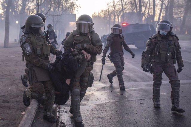 """Chile.- Carabineros dice que el informe de Amnistía sobre las protestas en 2019 tiene """"imprecisiones"""" y """"omisiones"""""""