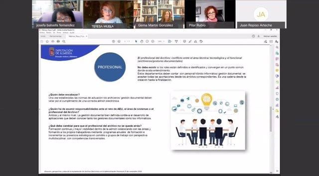 La Federación Andaluza de Municipios y Provincias (FAMP) ha organizado este pasado miércoles una jornada denominada 'La Administración municipal y provincial ante el reto del archivo electrónico'