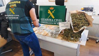 Detenido un matrimonio por vender droga en su domicilio en Candeleda (Ávila)
