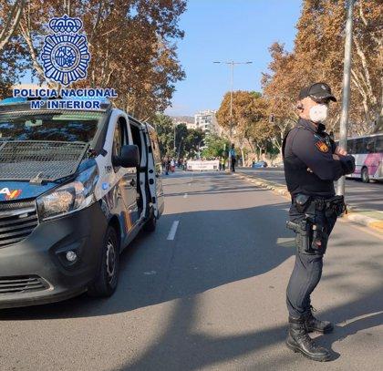 Detenido al ser sorprendido con 4.106 euros y 21,6 gramos de cocaína escondidos en el coche en Cartagena