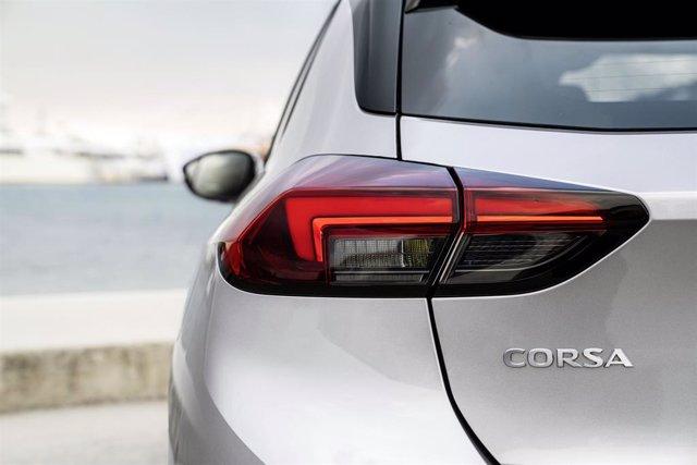 Detalle de un Opel Corsa.