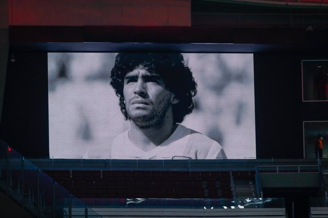 Homenaje a Maradona en un partido de Champions