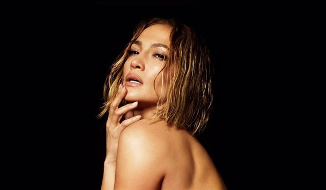 Jennifer Lopez desnuda en la portada de su nuevo single In the Morning